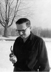 Edgar Villchur on a wintry day in Woodstock, New York, 1960. Edgar smoked a pipe that was nearly identical to the one his grandfather smoked.
